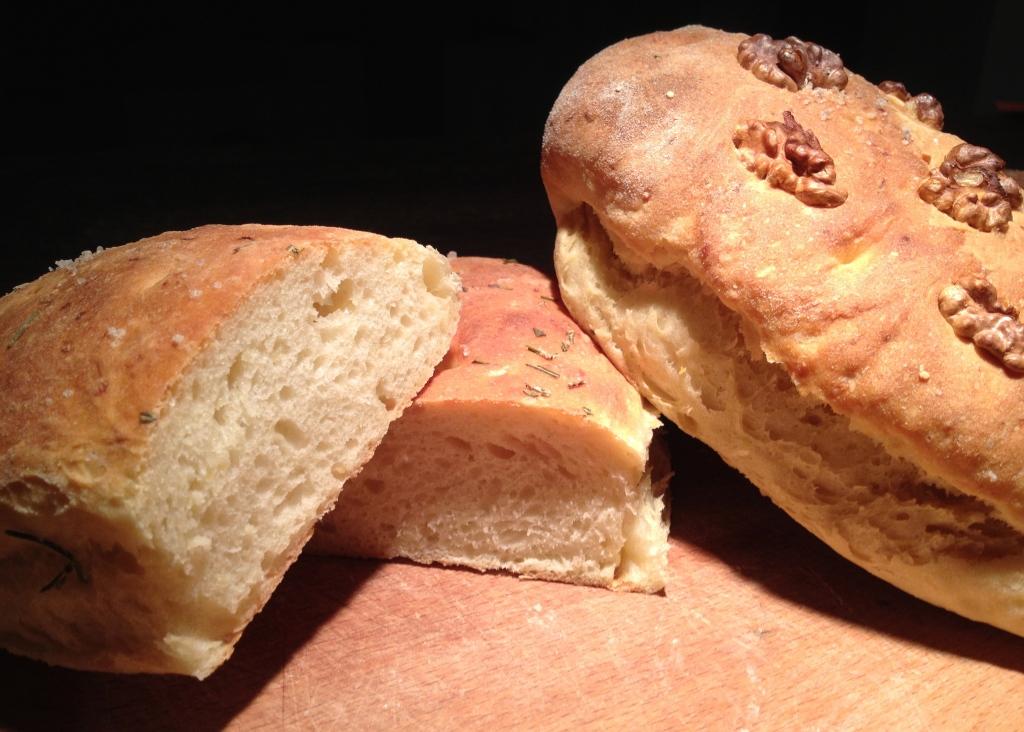 Rezept-kartoffel-focaccia-mit-rosmarin-und-walnussen-Hefeteig