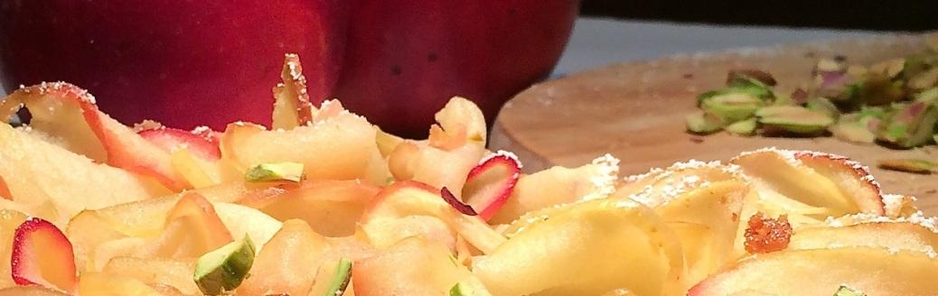 Apfelkuchen-mit-feinen-Apfelscheiben-Header-IMG_6255