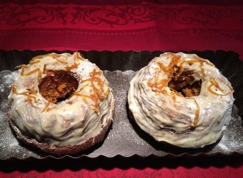 Backen-Ruebli-Kuchen-Mini-Guglhupf-Ruehrteig-mit-Kandierter-Orange-Weiße-Schokolade-Couverture