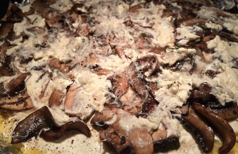 Kraeuter-Polenta-mit-Pilzen-Parmesan