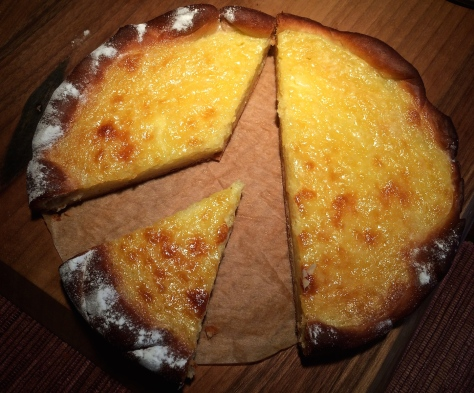 Hanklich-ein-Hefeteig-kuchen-aus-Siebenbuergen-in-Kleiner-Backform