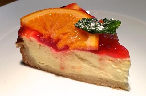 Orangen-Kaesetorte Zutaten: Ricotta, saure Sahne, Blutorangengelee und Minze