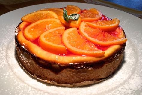 Orangentorte mit Ricotta und saurer Sahne sowie Blutorangen-Konfituere