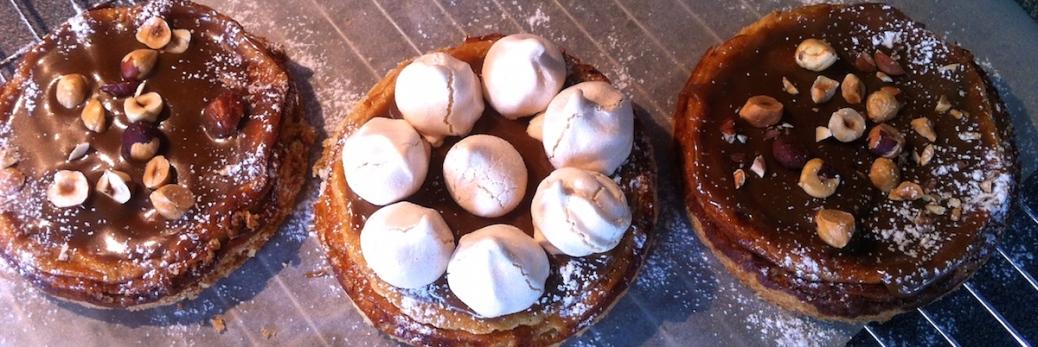 Kaesekuchen mit Karamell und Haselnuessen--Baiser-IMG_1311