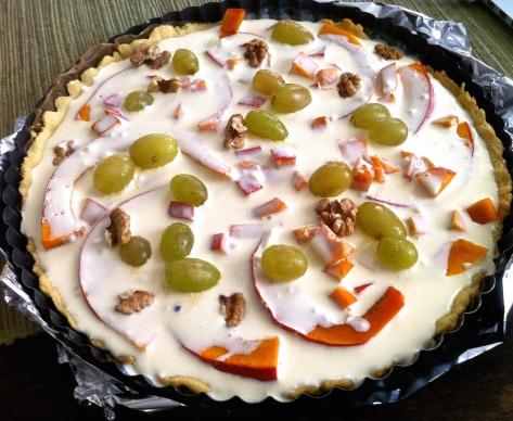 quiche-mit-kuerbis-trauben-ziegenfrischkaese-und-walnuessen-img_1716