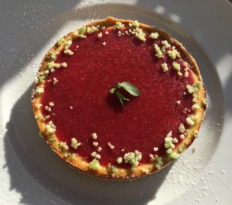 Kaesekuchen Tarte mit Frischkaese und Erdbeerspiegel - Erdbeeren - IMG_8925