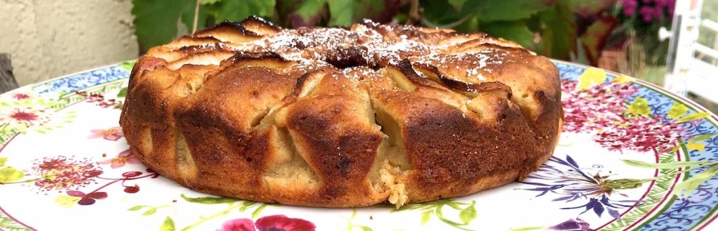 Apfelkuchen mit Zimt Kardamon und Walnuessen Header