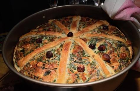 Herbstliche Tarte mit Blätterteig Ricotta Spinat und Haselnuss